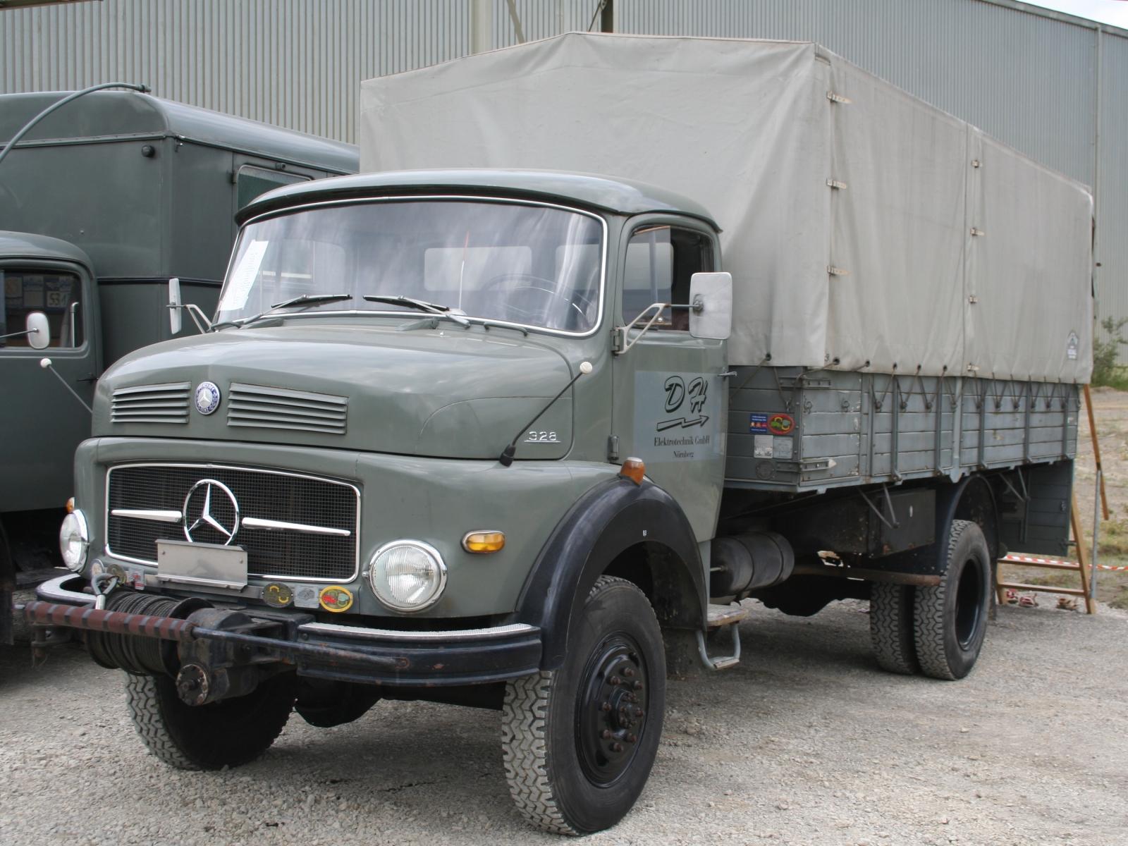 Mercedes benz la 328 bildersammlung von christof rezbach for La mercedes benz